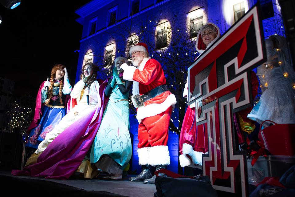 2018 Holiday Season Opens With Food, Fun and Spectacular Light Show