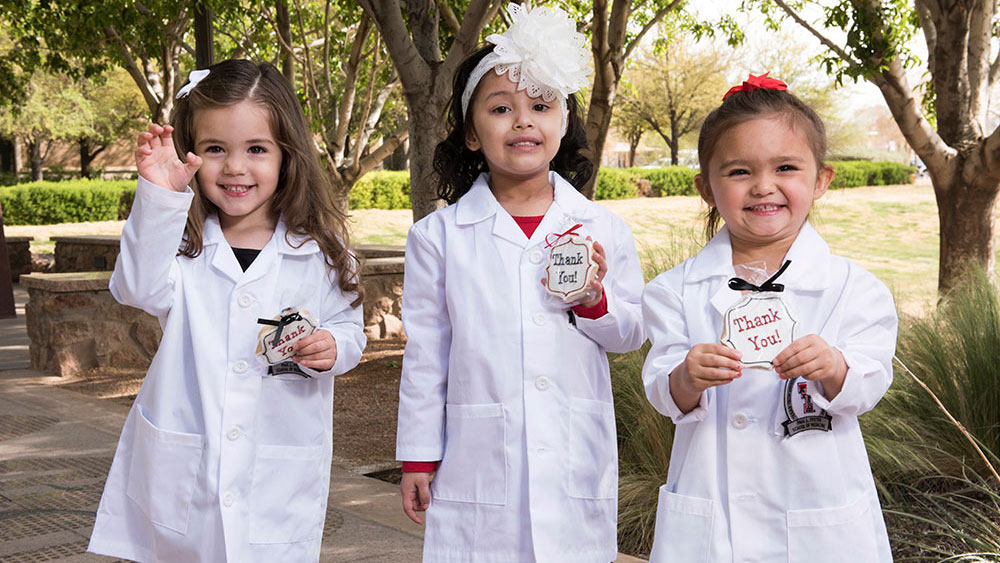 Doctors' Day: Children Thank Physicians for Their Service