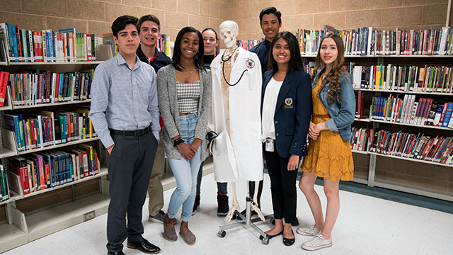 School of Nursing's Early-Admission Program Expands to Silva Magnet High School
