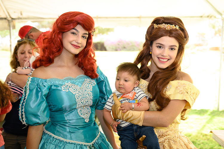 Princess characters greeted children at the NICU Reunion.