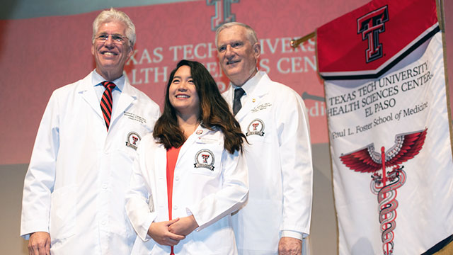 Foster School of Medicine to Welcome Class of 2024 with White Coat Ceremony
