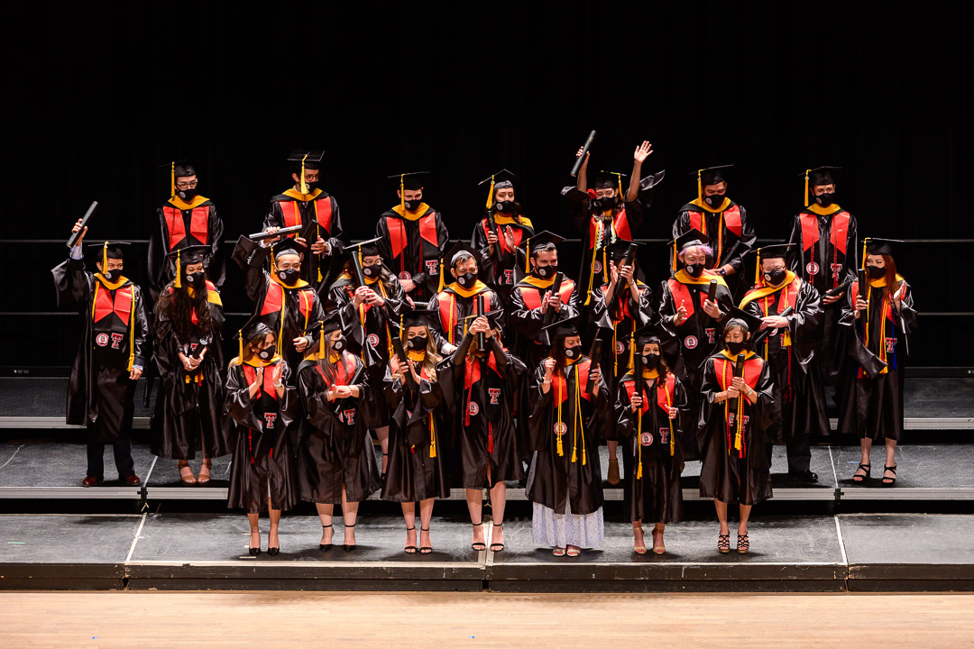 Graduate School of Biomedical Sciences Graduates Honored at Commencement Ceremony