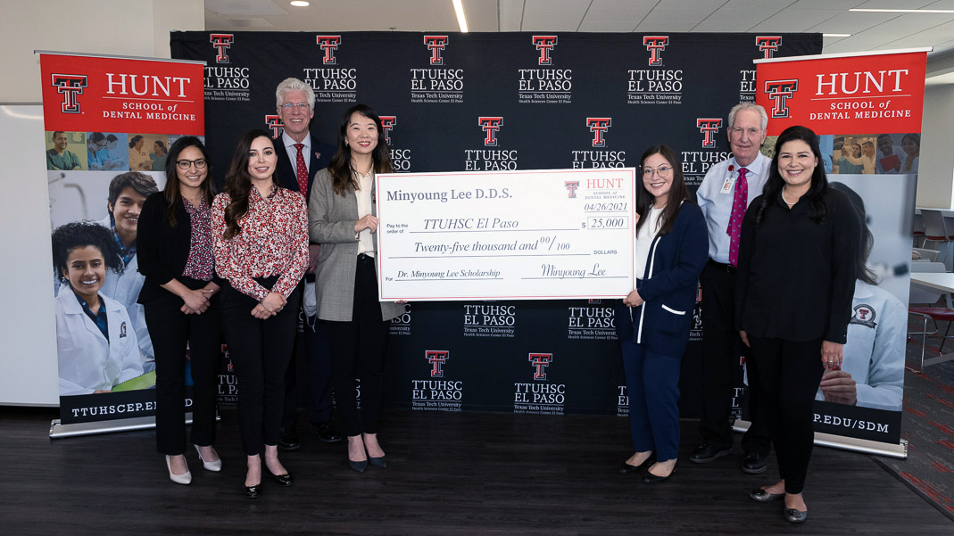 Local Dentist Gives $25,000 for Dental Student Scholarships