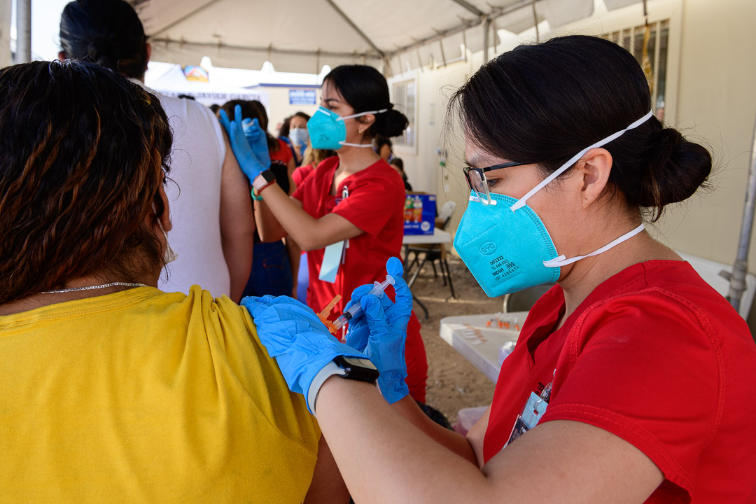 Hunt School of Nursing Students Help Vaccinate 4,200 Mexican Citizens at Port of Entry